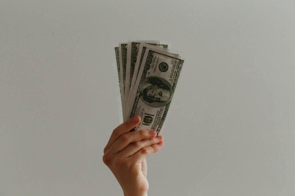 Инвестиционные компании: как распознать признаки мошенников и лохотрона